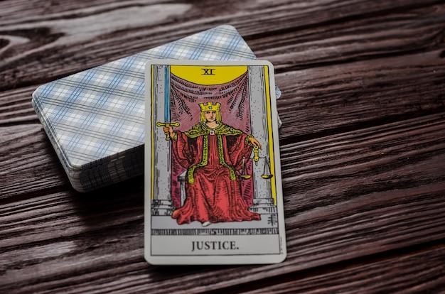 Karta tarota: sprawiedliwość