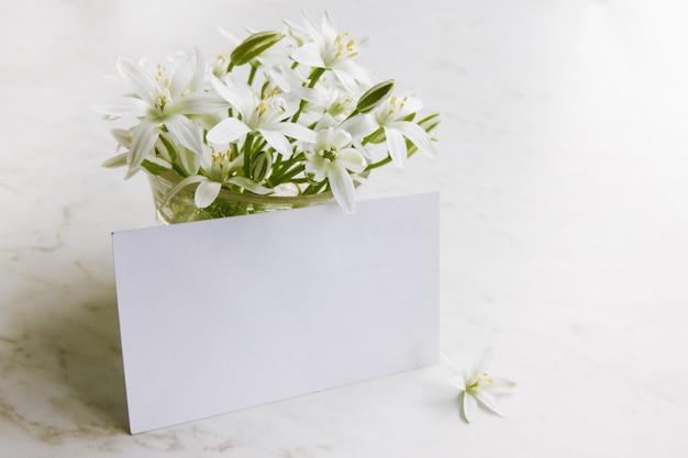 Karta z kwiatami