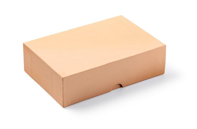Karton na białym tle biały ze ścieżką przycinającą