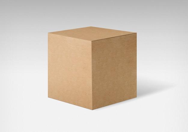 Karton na białym tle