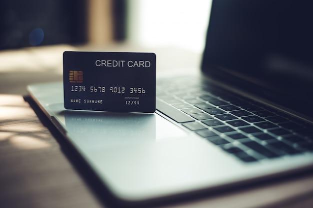 Karty kredytowe, karty kredytowe do transakcji finansowych.