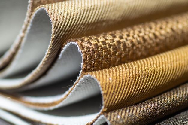 Katalog brązowych tkanin w wielu kolorach