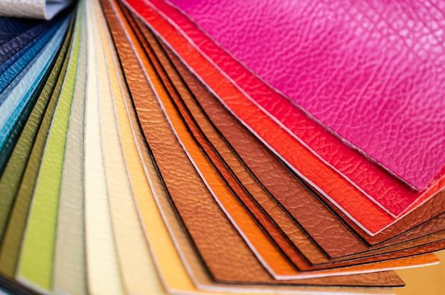 Katalog wielobarwnej imitacji skóry z matowego tła tekstury tkaniny, tekstury tkaniny ze sztucznej skóry
