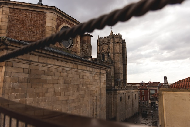 Katedra avila widziana ze szczytu murów miejskich
