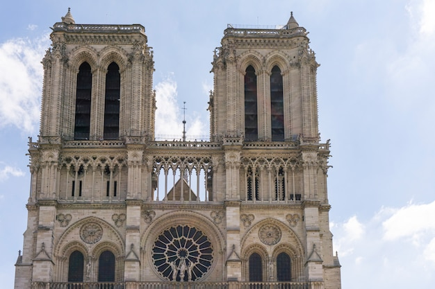 Katedra notre dame de paris. przedni widok
