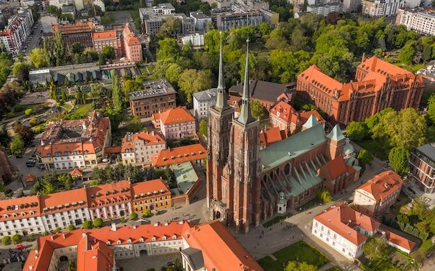 Katedra św. jana chrzciciela we wrocławiu. widok z lotu ptaka