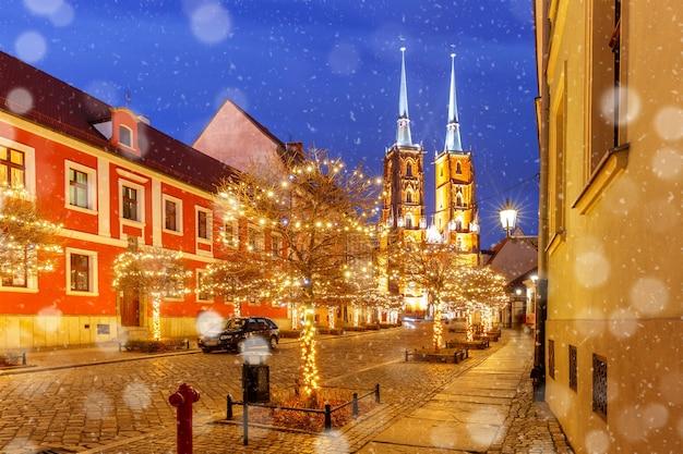 Katedra św. jana w nocy we wrocławiu, polska
