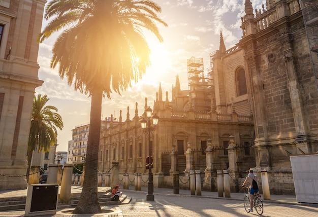 Katedra w sewilli na lato, hiszpania