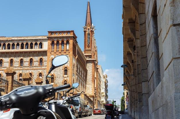 Katedra w tarragona, hiszpania. pejzaż miejski. podróżuj po europie.