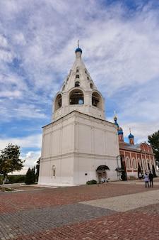 Katedra wniebowzięcia nmp w mieście kolomna na placu katedralnym kremla kolomna