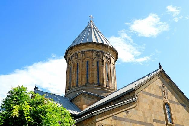 Katedra zaśnięcia matki bożej w tbilisi sioni, zabytkowy kościół prawosławny w tbilisi, gruzja