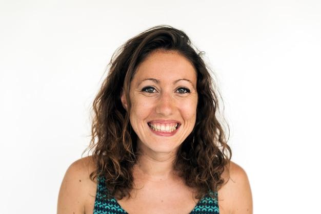Kaukaskiej kobiety uśmiechniętej twarzy portreta wyrażeniowy headshot