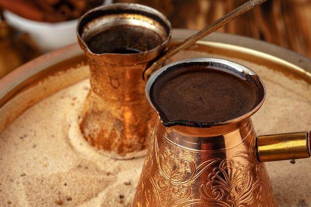 Kawa po turecku w cezve na piasku