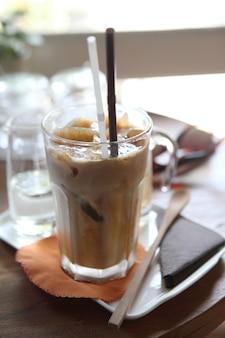 Kawa z lodem latte