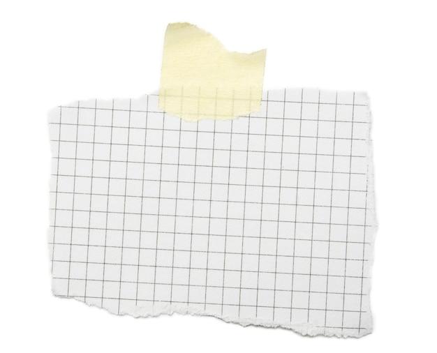 Kawałek arkusza na białym tle