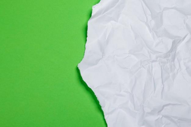 Kawałek zmiętego papieru