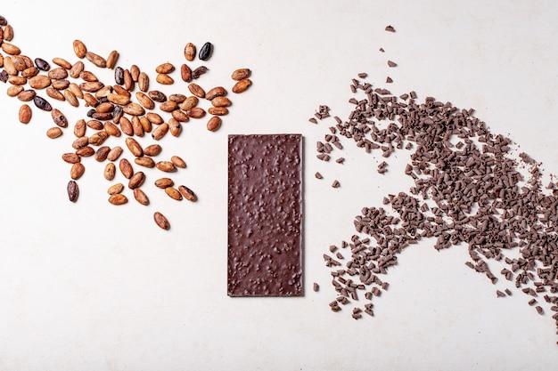 Kawałki ciemnej czekolady