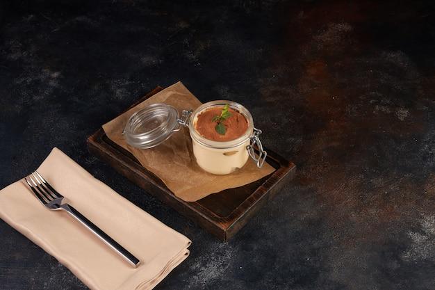 Kawowa panna cotta z sosem czekoladowym