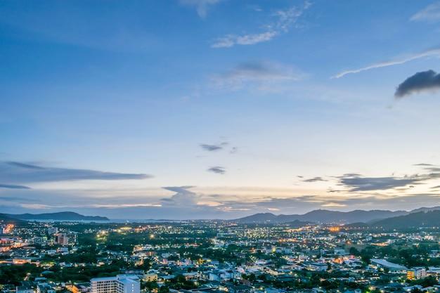 Khao zadzwonił do architektury widok na miasto phuket