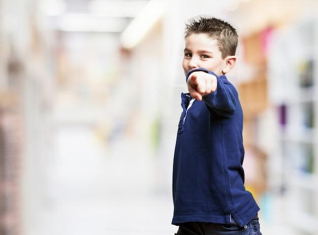 Kid wskazującego