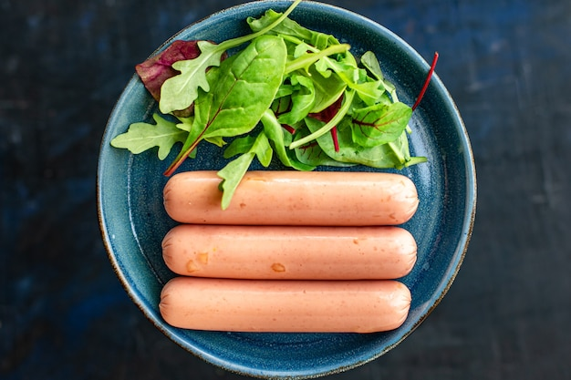 Kiełbasa bezmięsna soja białko warzywne seitan pszenica klasyczny smak wegetariańska lub wegańska przekąska