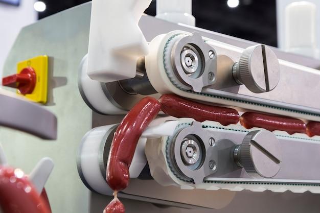 Kiełbasa wytwarzana przez automat