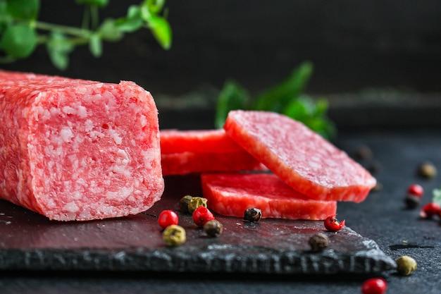 Kiełbasa z salami