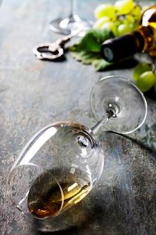 Kieliszek białego wina