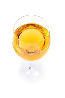 Kieliszek do wina na białym tle