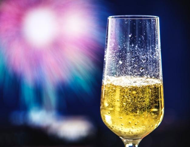 Kieliszek wina musującego