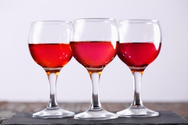 Kieliszek wina różowego
