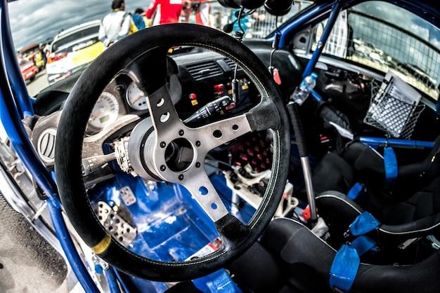 Kierownica samochodu wyścigowego