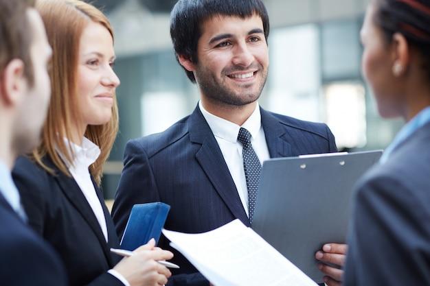 Kierownictwo wymiany poglądów przed spotkaniem