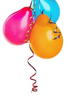 Kilka kolorowych balonów na białym tle
