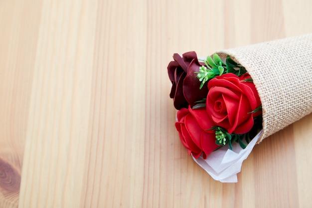 Kilka prezent róż na walentynki