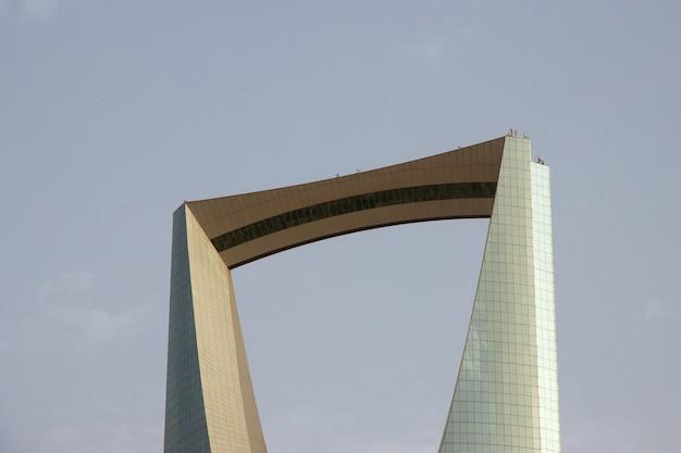 Kingdom centre, burj al-mamlaka w rijadzie w arabii saudyjskiej