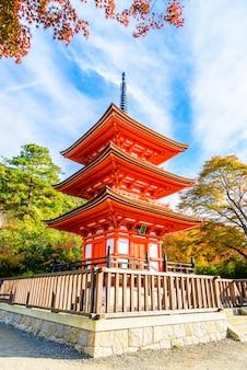 Kiyomizu dera świątynia w kyoto przy japonia