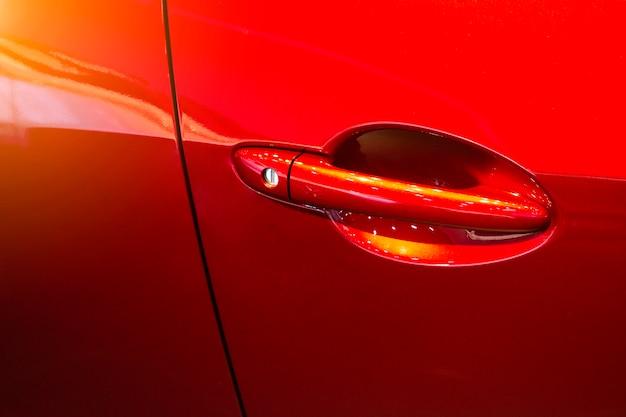 Klamka drzwi samochodu czerwony kolor
