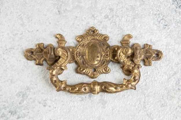Klamka z brązu w stylu vintage