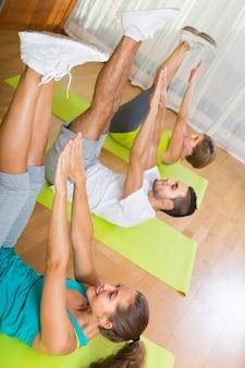 Klasa fitness w klubie sportowym