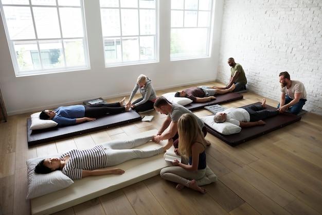 Klasa treningu grupy terapeutycznej masażu