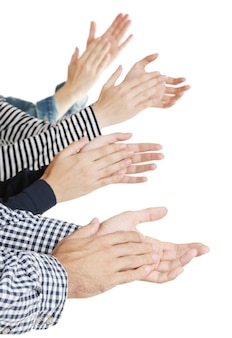 Klaskanie w ręce na białym tle