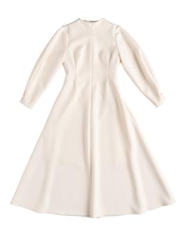 Klasyczna ciepła damska sukienka na białym tle