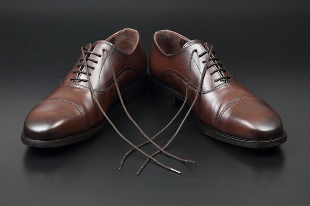 Klasyczne męskie buty oxford w kolorze czarnym