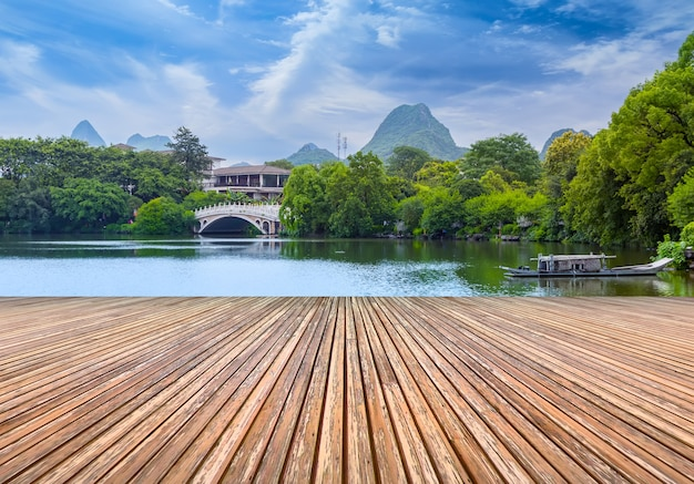 Klasyczne ogrody piękne jeziora drzewo chiny
