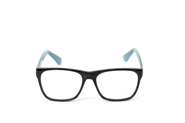 Klasyczne okulary w czarnej metalowej oprawie z przezroczystymi soczewkami