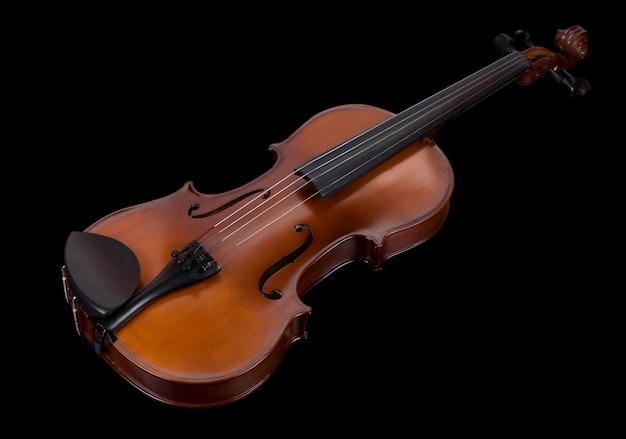 Klasyczne skrzypce na białym tle na czarnym tle