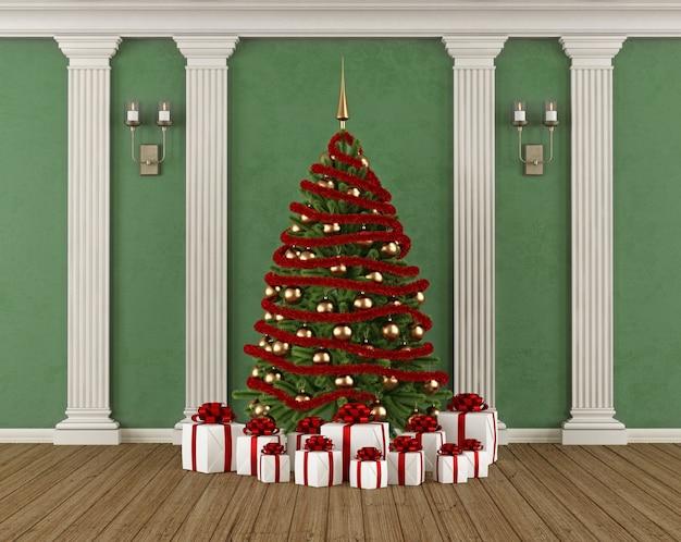 Klasyczne wnętrze z zieloną ścianą, pilastrem, choinką i prezentem. renderowanie 3d