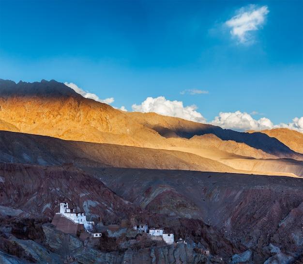 Klasztor basgo. ladakh, indie
