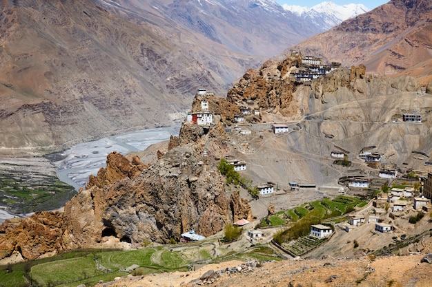 Klasztor dhankar gompa w himalajach